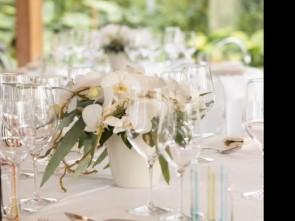 b4738f7cdd4e Matrimonio stellato nella villa tropicale dell Orchideenwelt